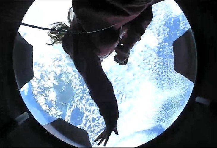 Yörüngedeki ''uzay turistlerinden'' tarihe geçen görüntüler - Resim: 2
