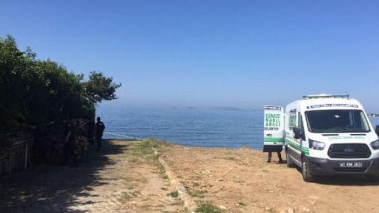 Sahilde işkenceye uğramış erkek cesedi bulundu