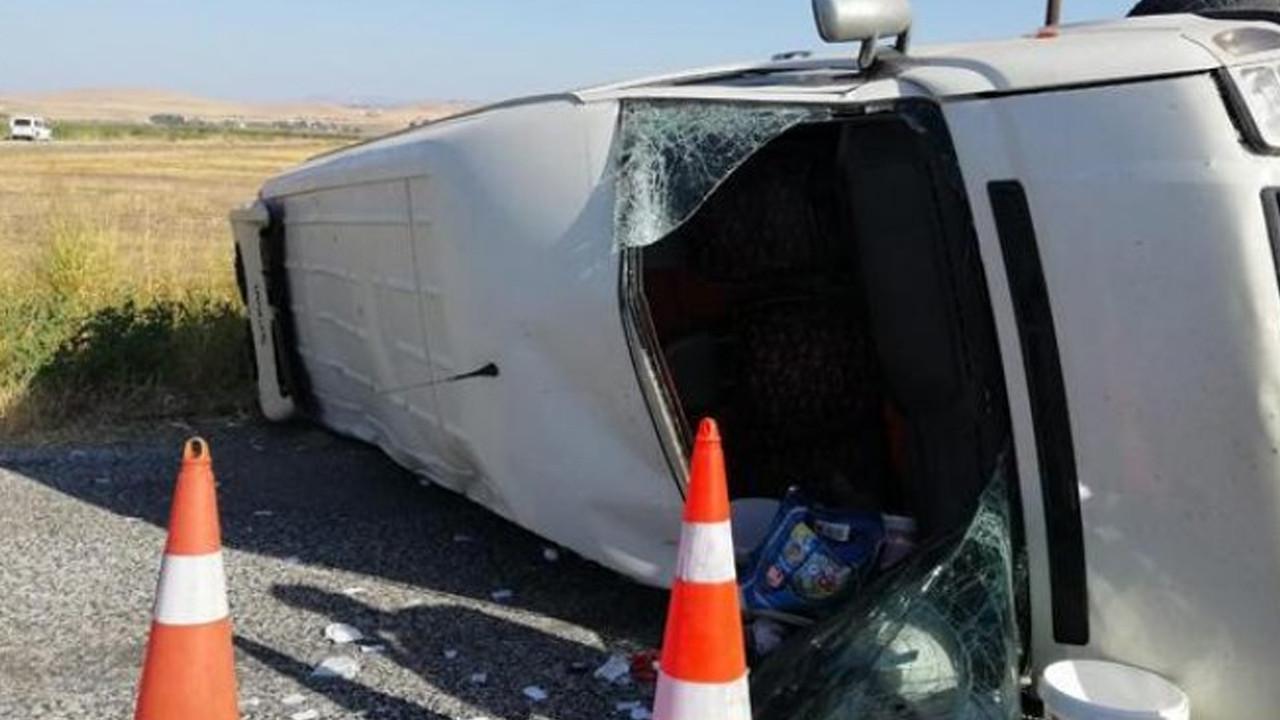 Kahramanmaraş'ta tarım işçilerini taşıyan minibüs kaza yaptı: Ölü ve yaralılar var