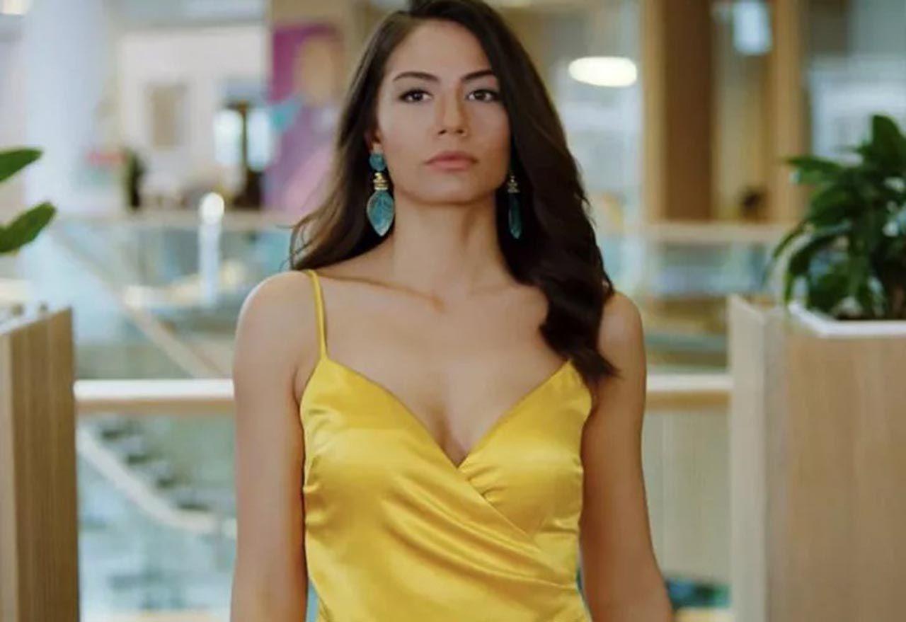 Demet Özdemir, mini elbisesiyle teknede poz verdi - Resim: 1