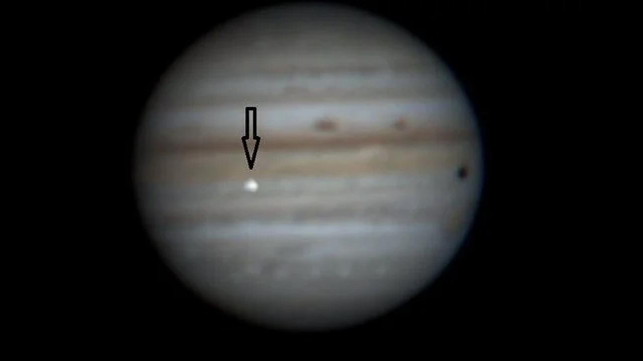 Tam o an! Jüpiter'deki çarpışma anı Dünya'dan görüntülendi