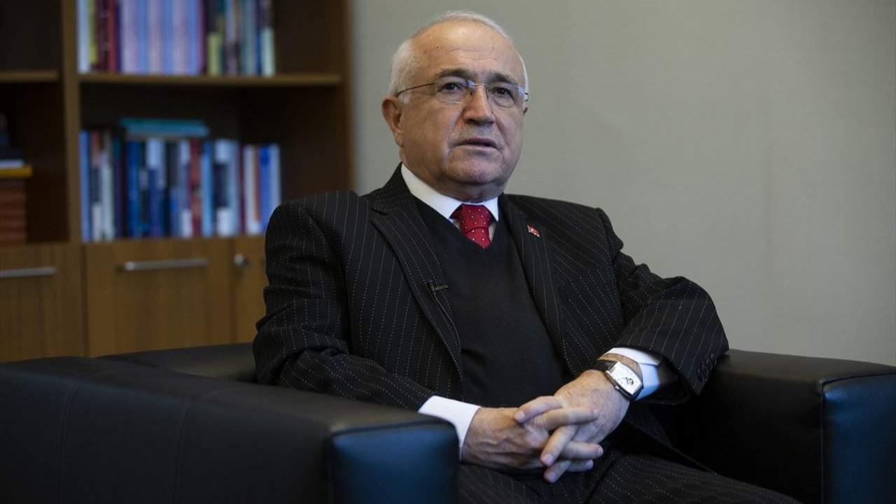 AK Partili Cemil Çiçek'ten zehir zemberek açıklamalar