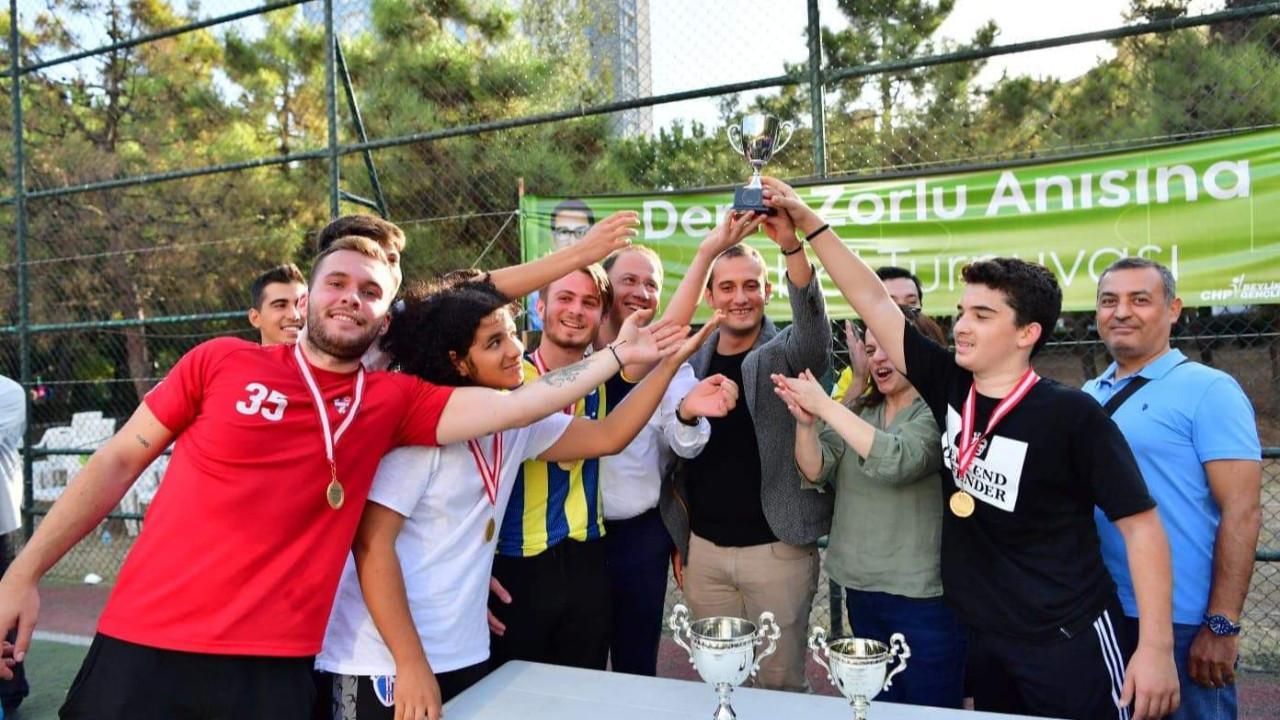 Deniz Zorlu Futbol Turnuvası'nı Bizimkent kazandı