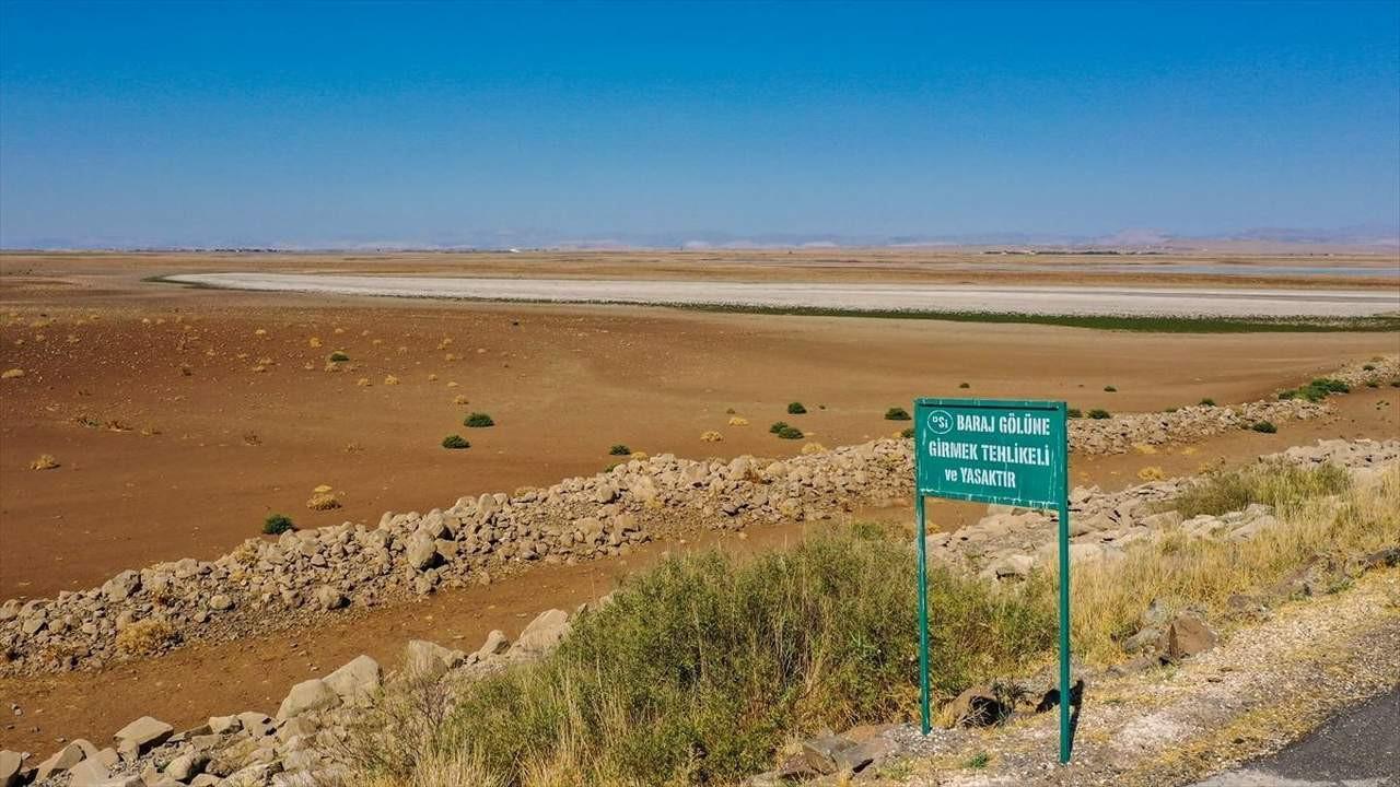 Bir zamanlar cennetti... Türkiye'nin bir gölü daha kurudu!