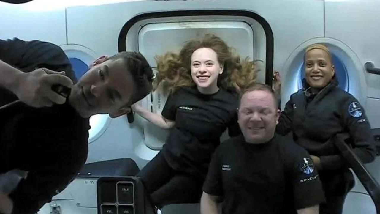 Uzaya turist gönderen Elon Musk: ''Tuvaletlerde sorun yaşadık''