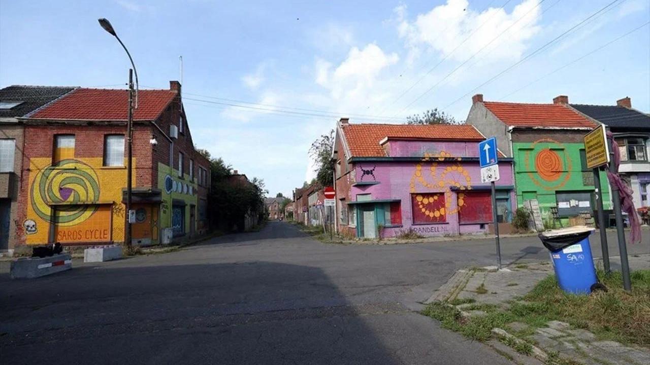 Sadece 20 kişinin yaşadığı hayalet kasaba: Doel