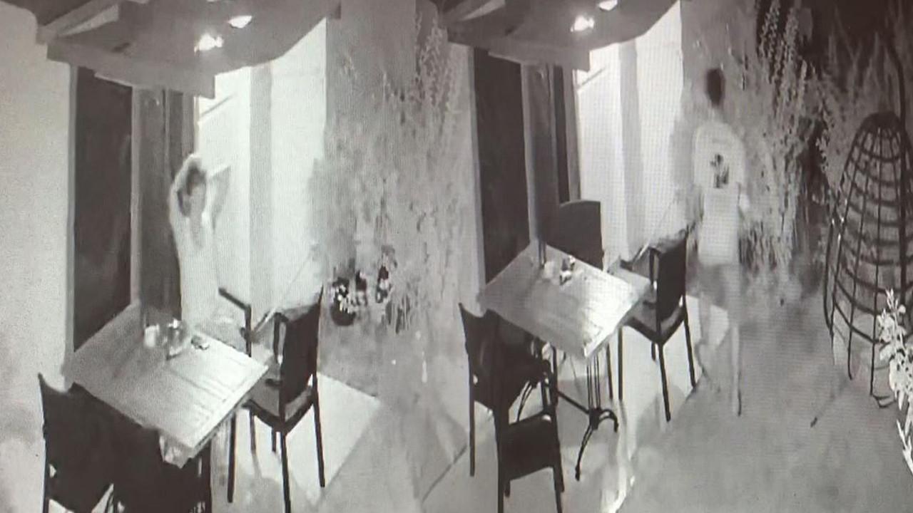 Otelde sapık var! Tacizcinin odaya girdiği anlar kamerada