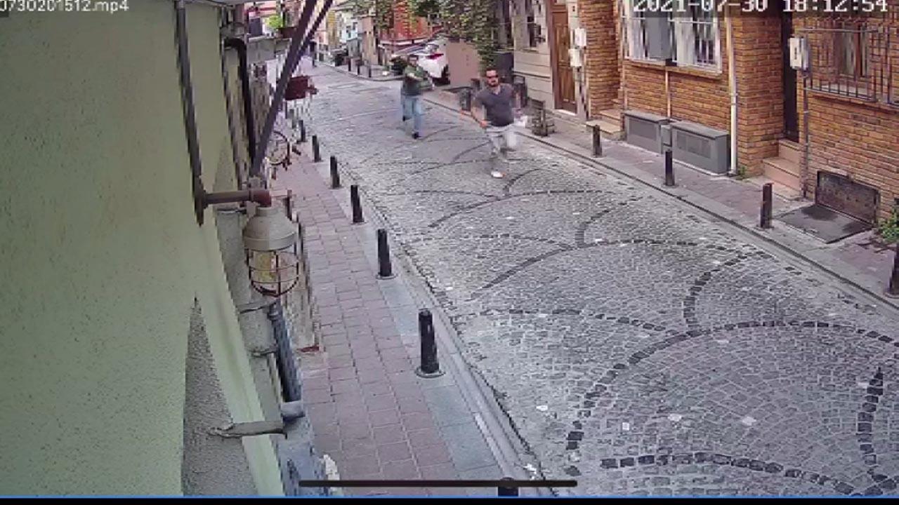 İstanbul'da dehşet anları! Sinemacıya ve eşinin dükkanına saldırı