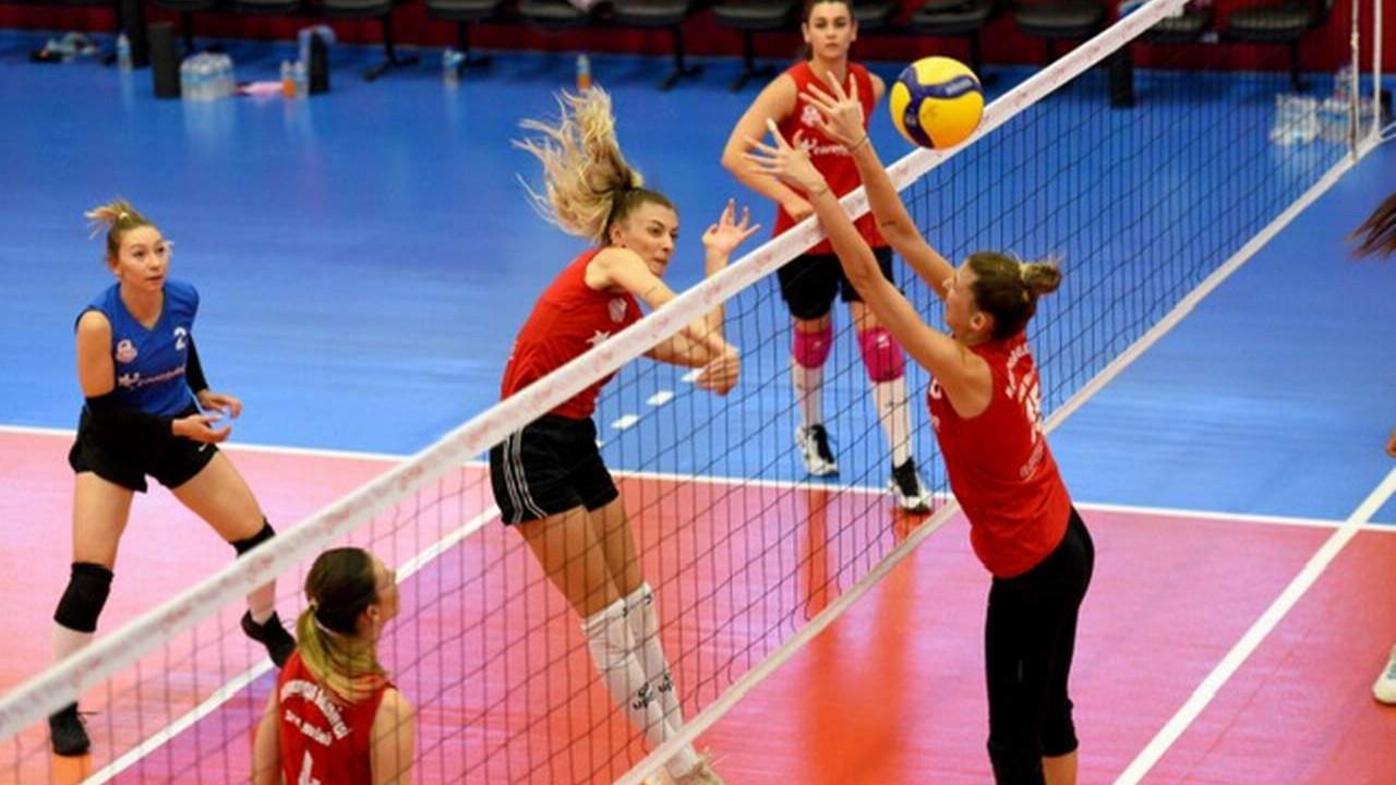 Muratpaşa Belediyespor kadın voleybol takımı ilk sınavına çıkıyor