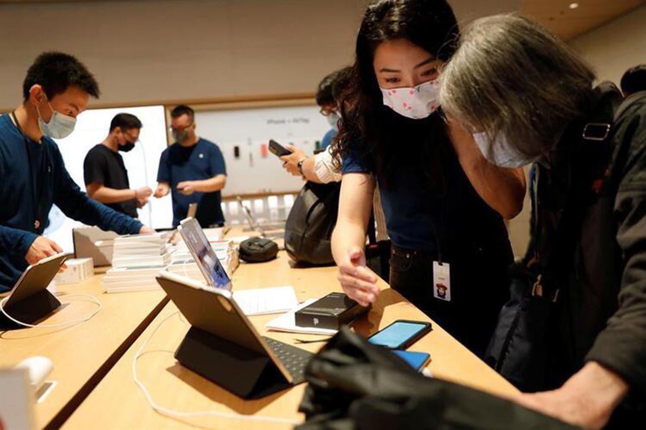 iPhone çılgınlığı başladı! Pandemi bile onları durduramadı - Resim: 3