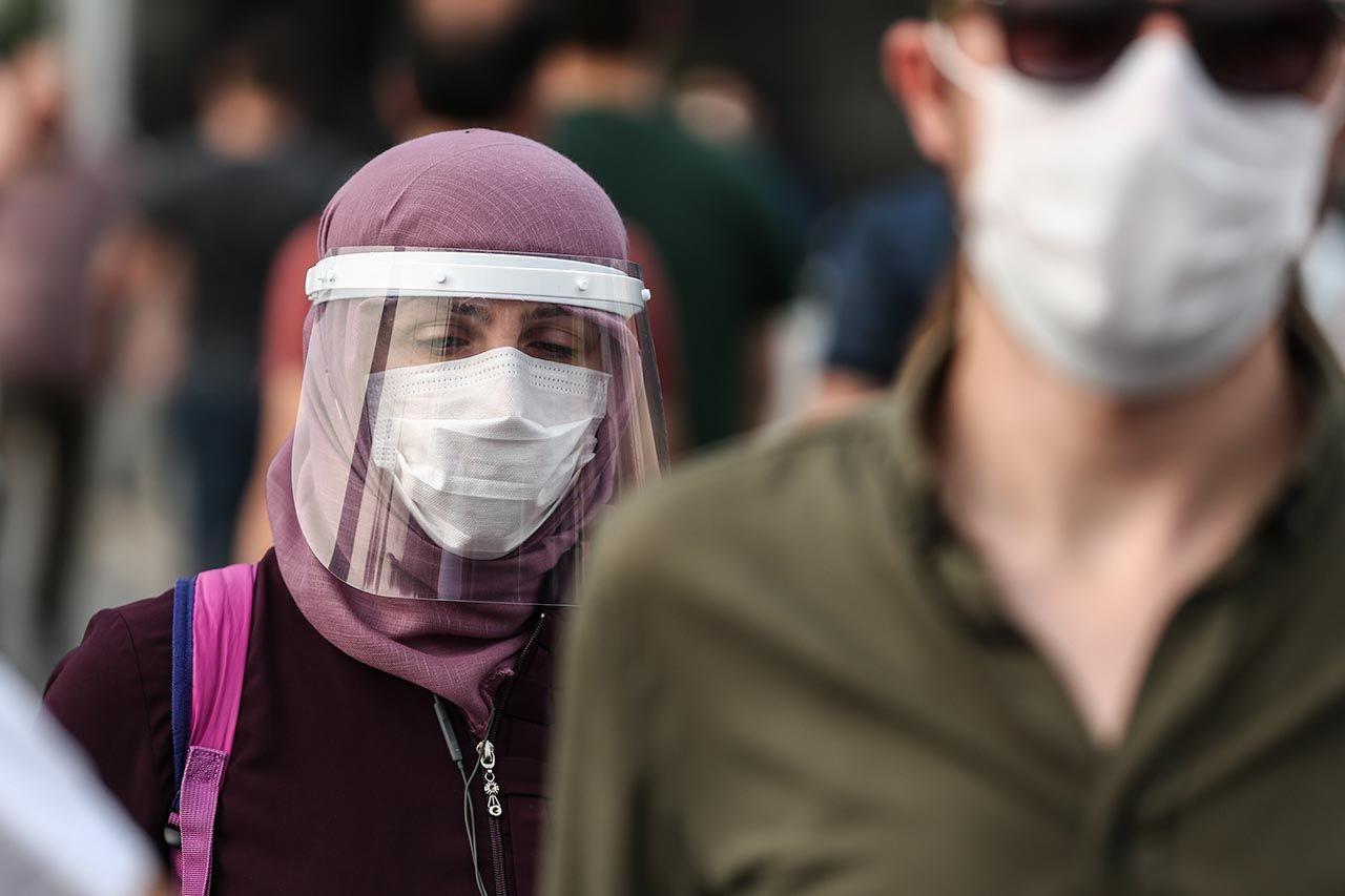 Kimsenin maske takmadığı ortamda maske kullanmak ne kadar etkili? İşte cevabı... - Resim: 1