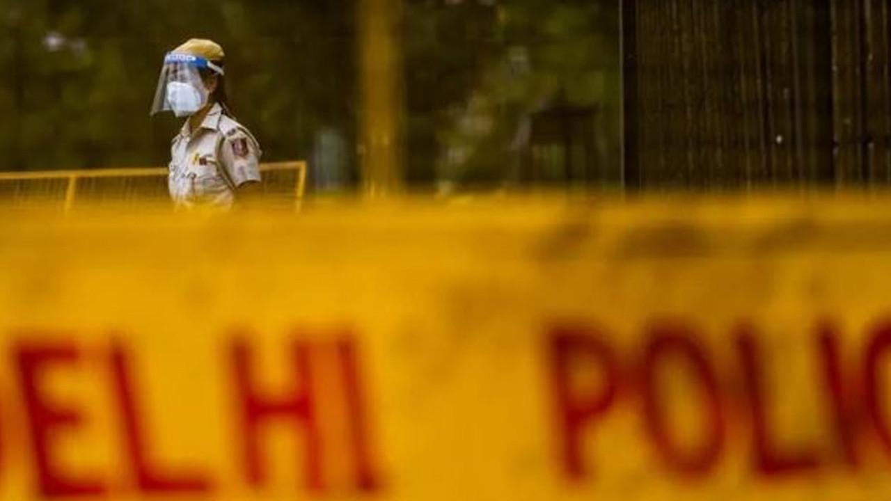 Hindistan'da avukat kılığına giren silahlı kişiler duruşma salonunda dehşet saçtı