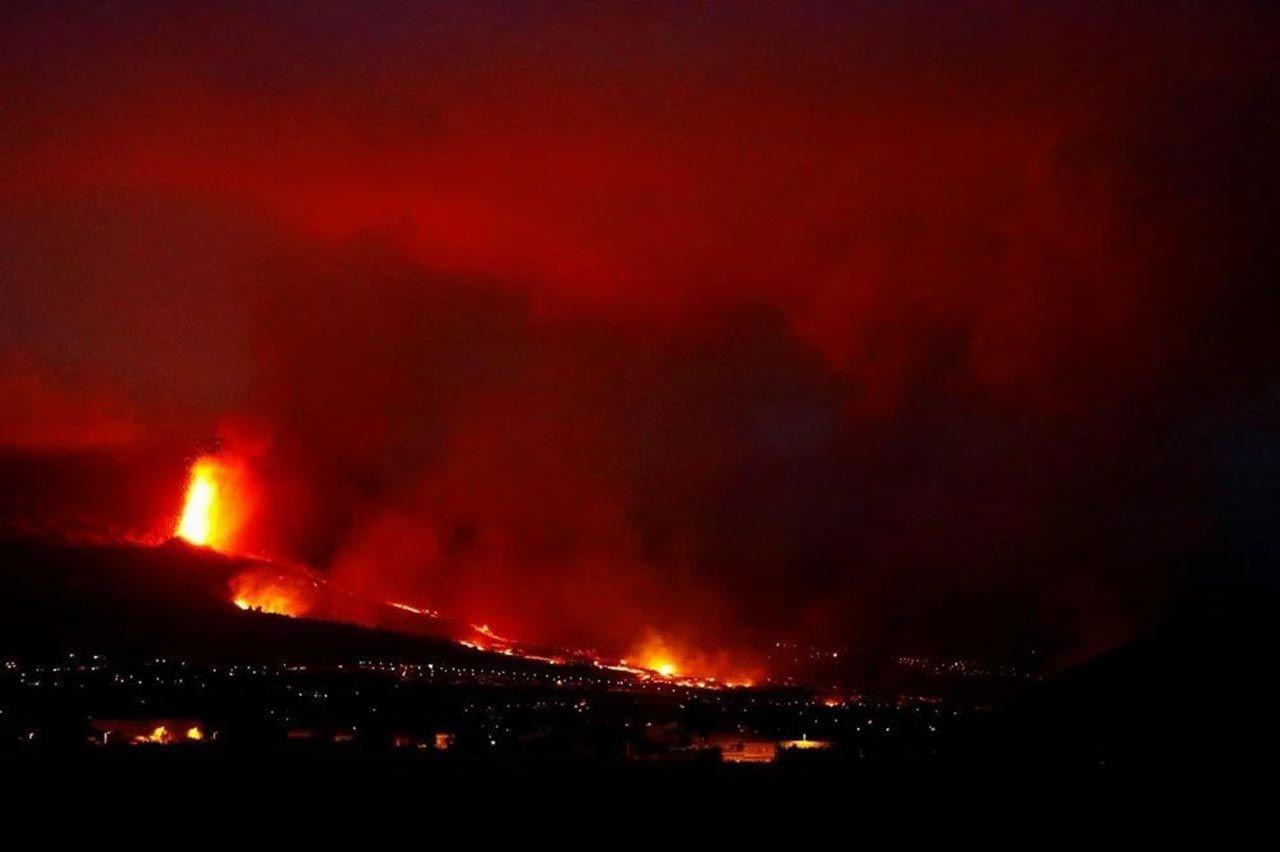 Yanardağ felaketinde mucize: Lavlara karşı tek başına ayakta kaldı - Resim: 1