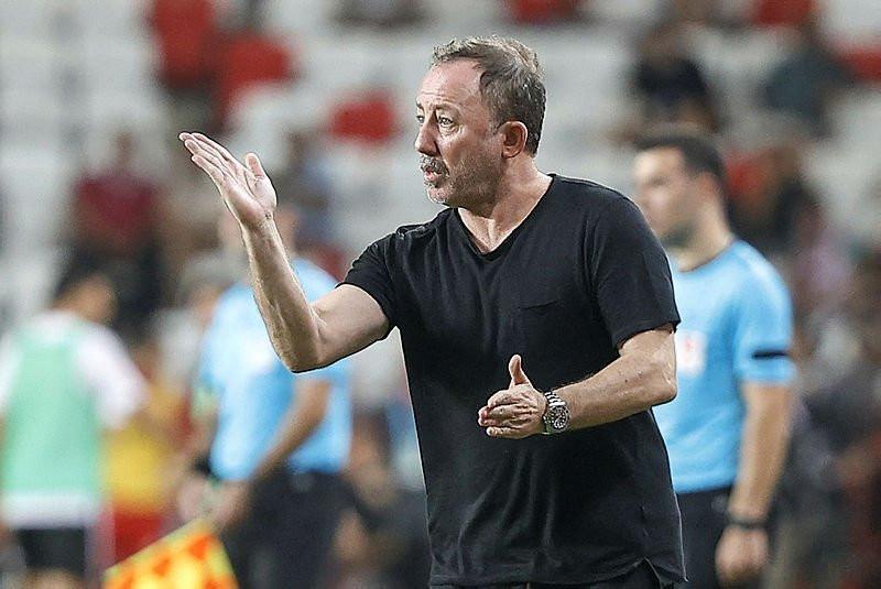 Sergen Yalçın açıkladı! Ajax maçında kimler oynayacak?