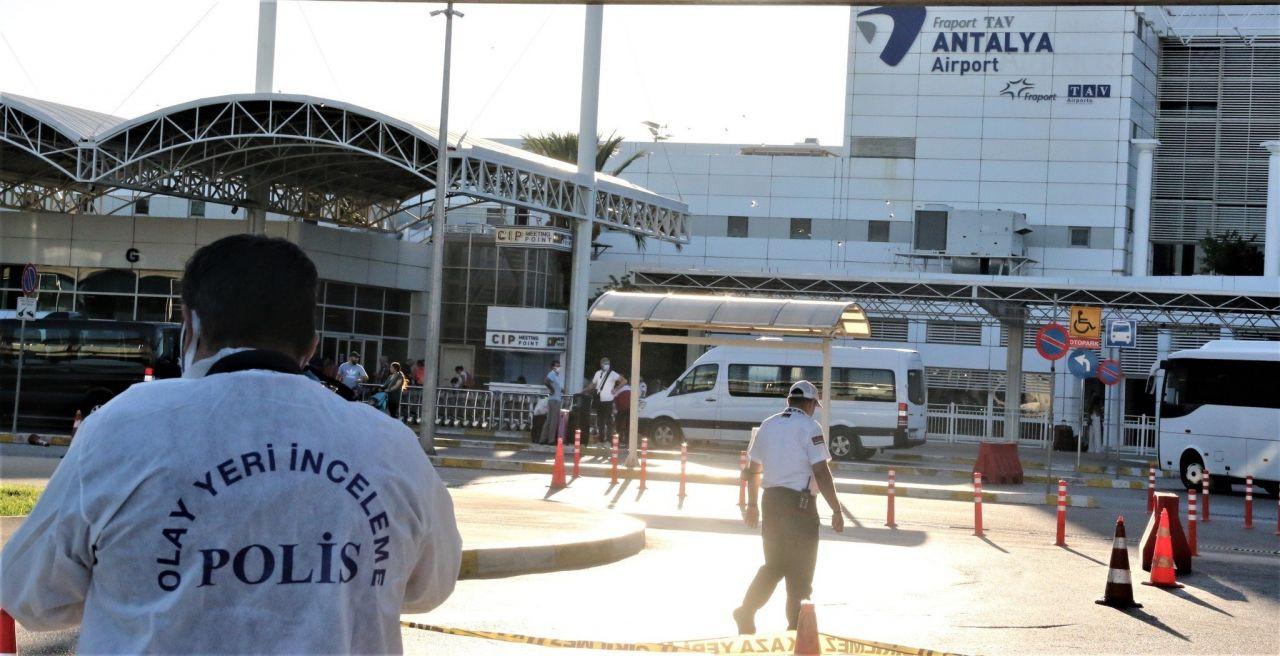 Antalya Havalimanı'nda kameralar önünde intihar! - Resim: 4