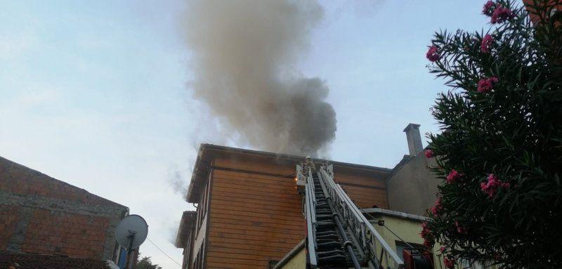 İstanbul'da korkutan otel yangını - Resim: 1
