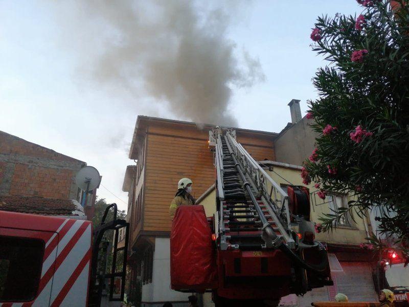 İstanbul'da korkutan otel yangını - Resim: 4
