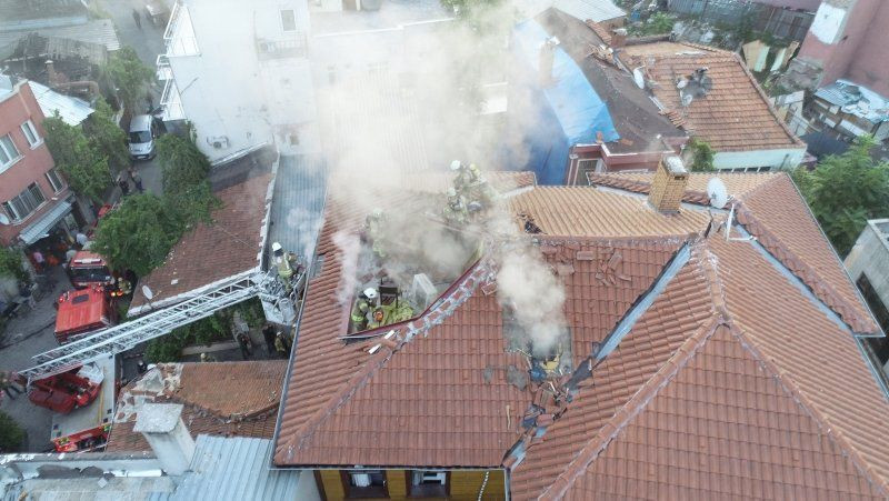 İstanbul'da korkutan otel yangını - Resim: 3