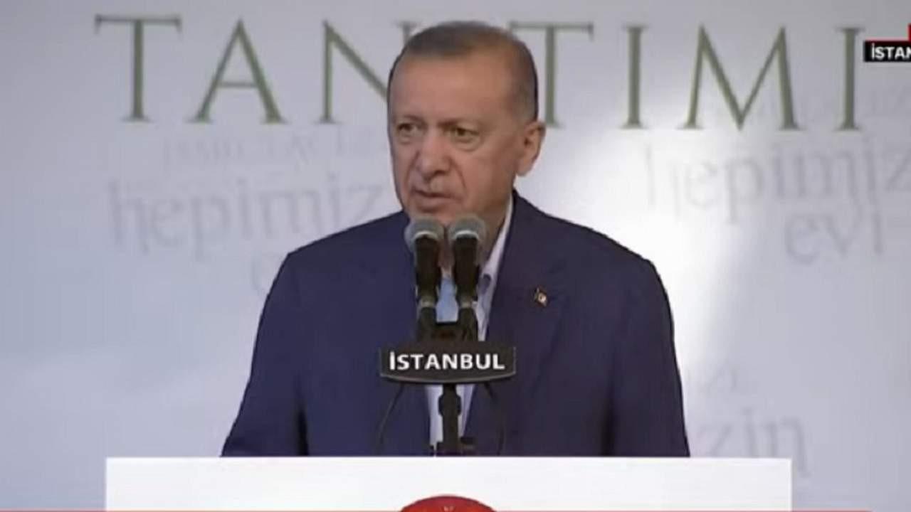 Erdoğan'dan ''barınamıyoruz'' tepkisi: Alakası olmayan kişiler banklarda yatıyor