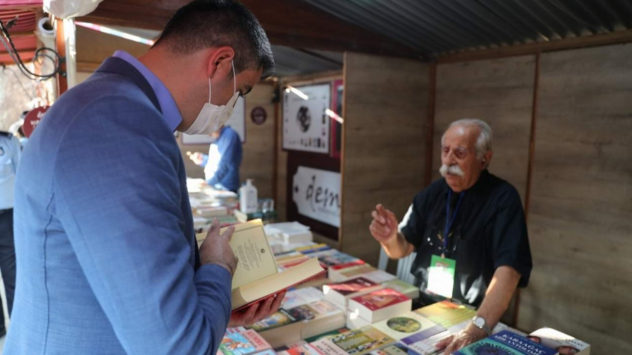 Kartal Kitap Fuarı kapılarını kitapseverlere açtı