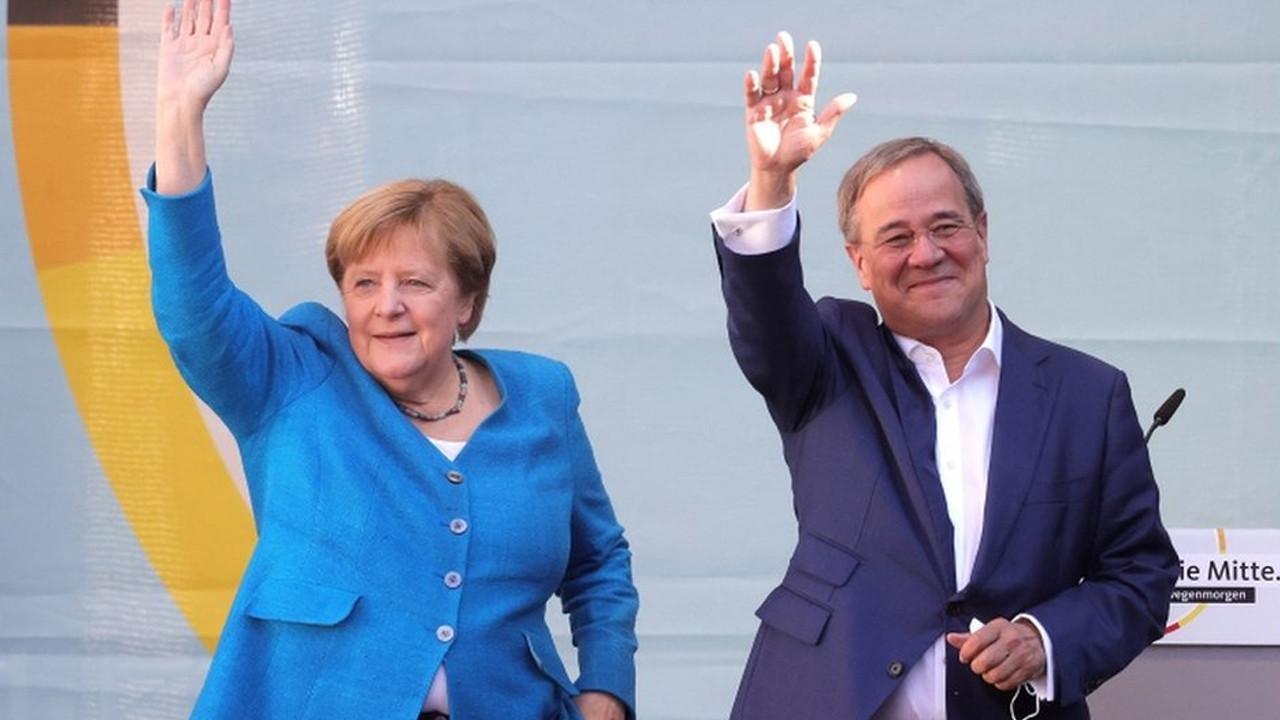 Almanya'da halk sandık başında! Merkel veda ediyor