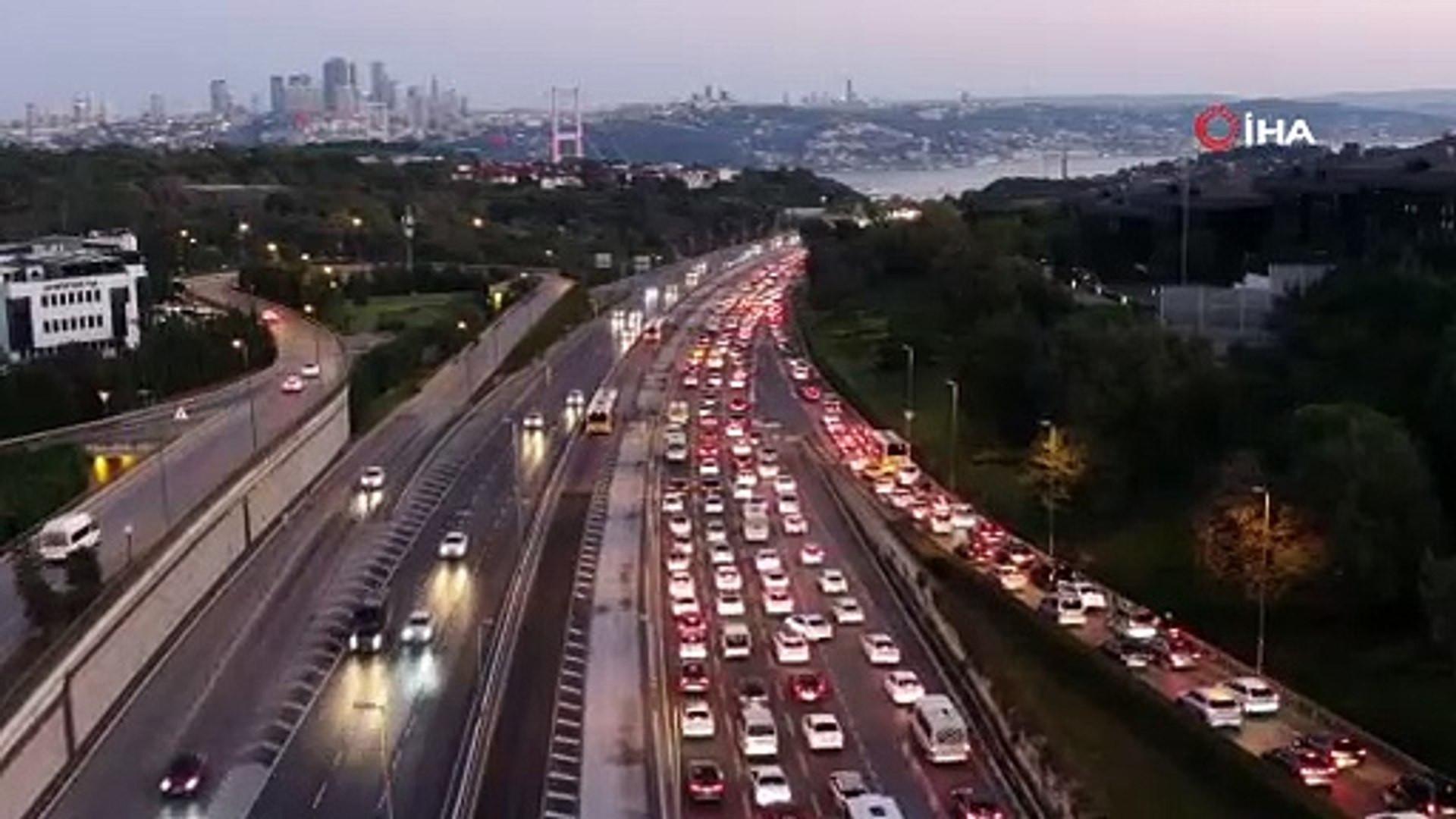 Trafiktekilere Allah sabır versin! İstanbul'da trafik yine düğüm!