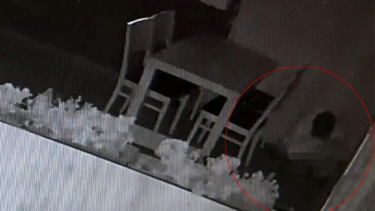 İstanbul'da ''iğrenç'' hırsız kamerada! Öyle bir şey yaptı ki...