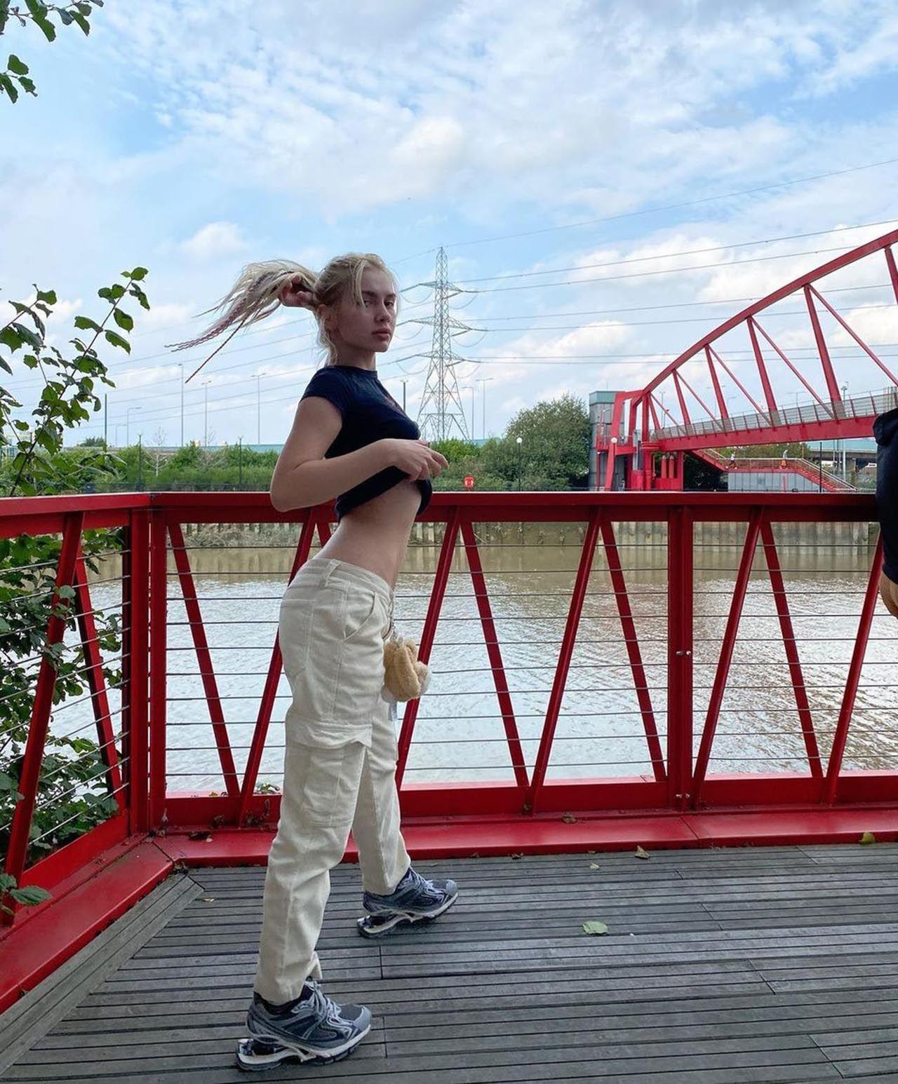 Türkiye'den ayrılan Aleyna Tilki'nin ilk işi bu oldu - Resim: 1