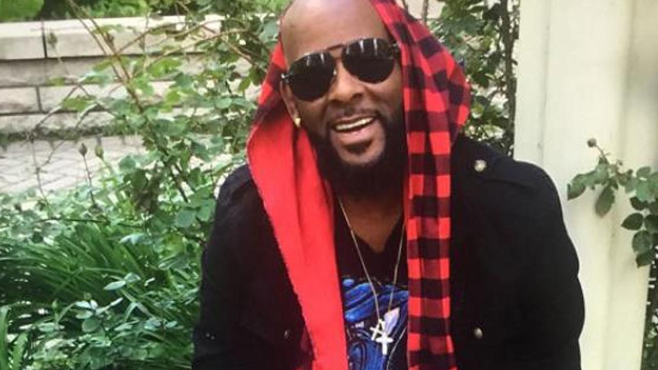 Fuhuş ticareti ve şantajdan suçlu bulunan ünlü şarkıcı için hapis cezası yolda