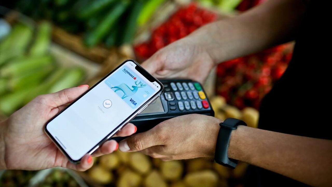 iPhone'larda büyük güvenlik açığı: ''Kredi kartlarınızı hemen kaldırın''