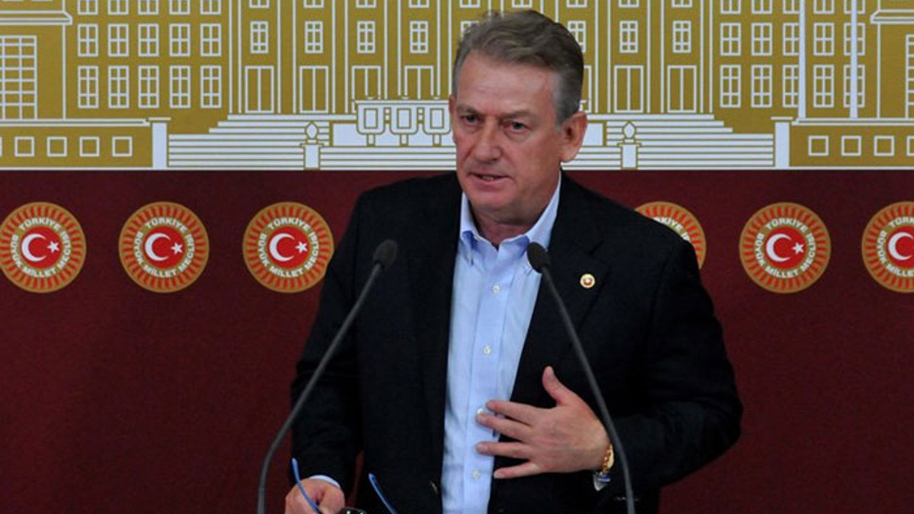 CHP'li Pekşen'e ''tek adam'' cezası