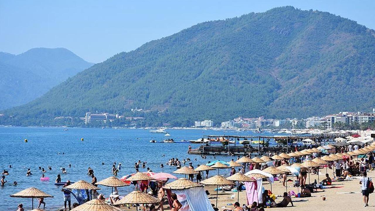 Turizm cenneti Antalya'ya turist yağdı