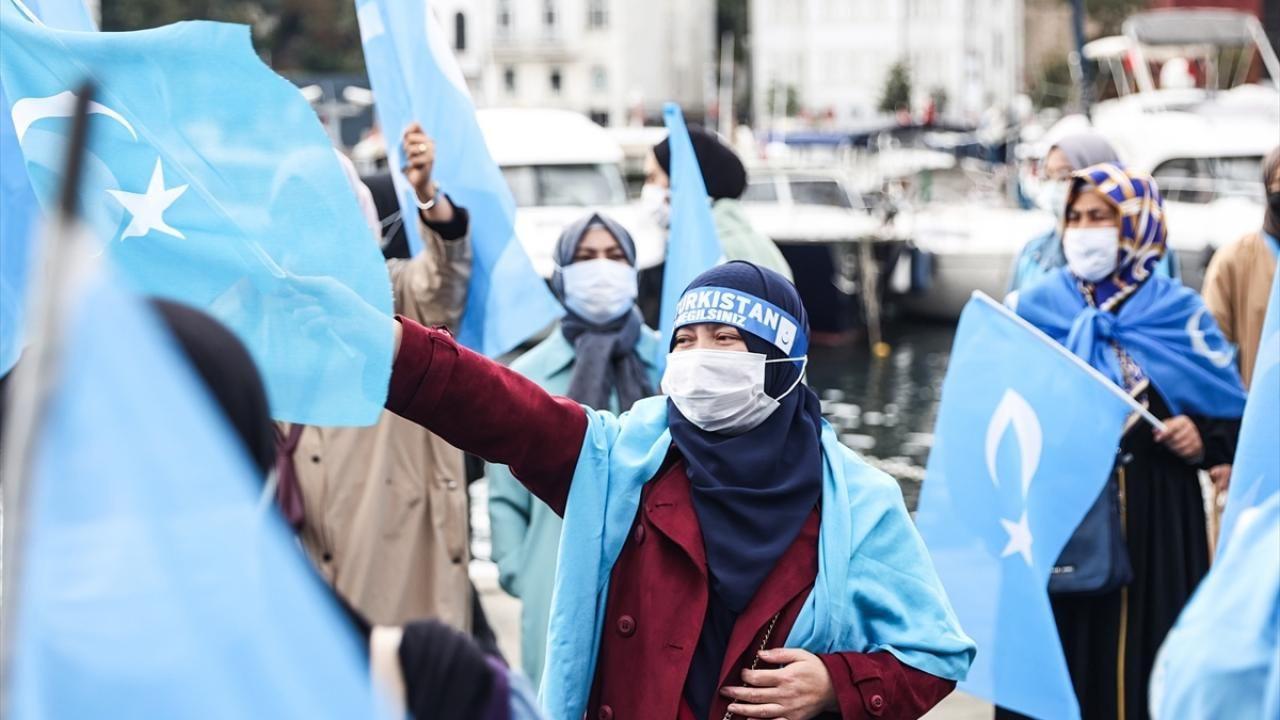 Uygur Türkleri sokağa indi