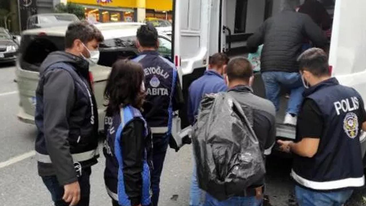 İstanbul'da ayakkabı boyacılarından turistlere akılalmaz tuzak