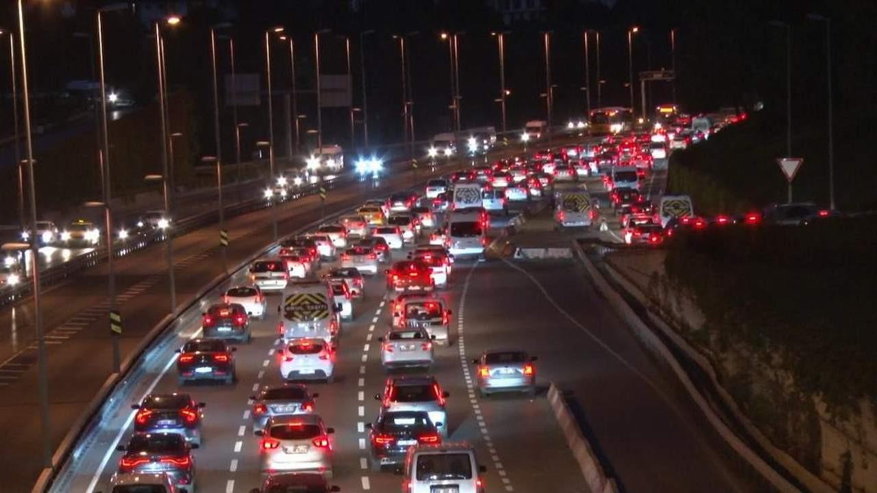 Trafiktekilere Allah sabır versin! Trafikte yine Pazartesi düğümü