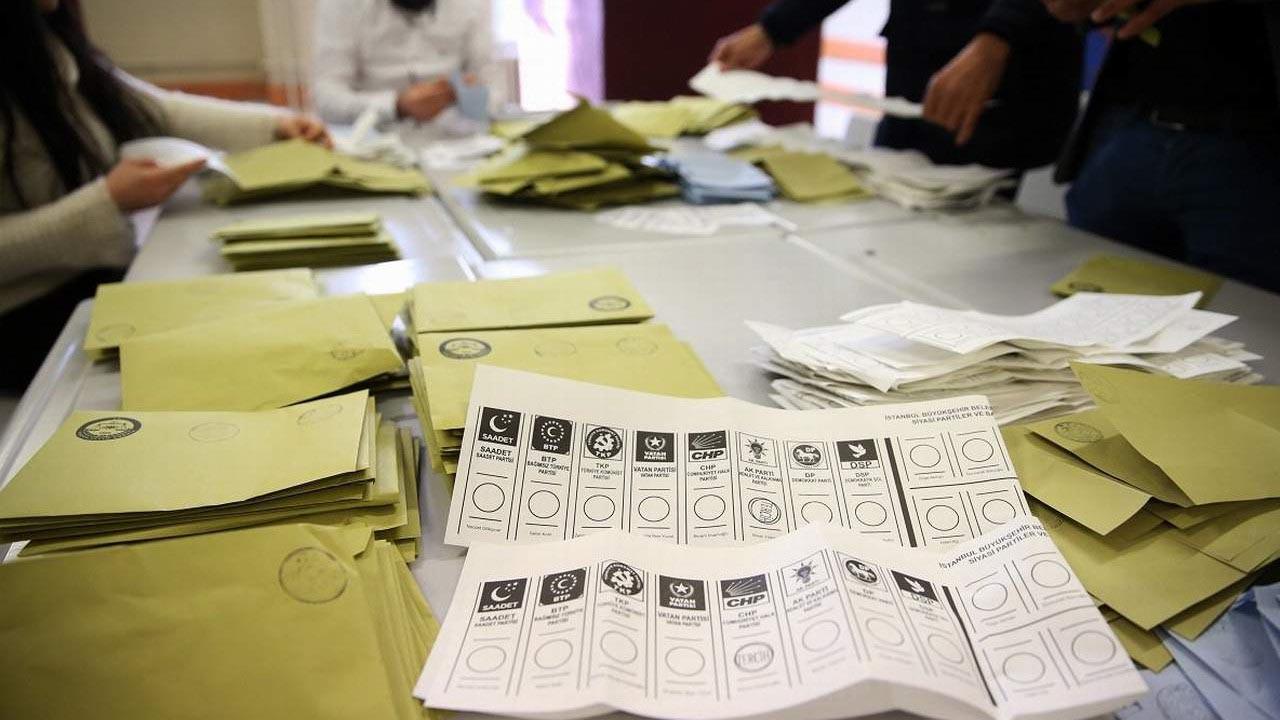 Son anket sonuçlarını böyle açıkladı: ''AK Parti artık 1. parti değil, 1. partilerden sadece biri''