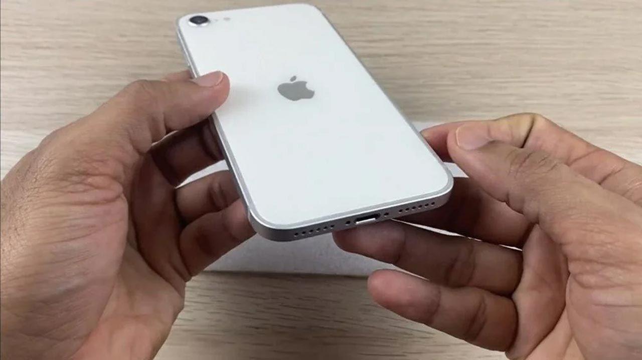 Ucuz iPhone'un görüntüleri internete sızdı: iPhone SE 3'ten yeni bilgiler - Resim: 3