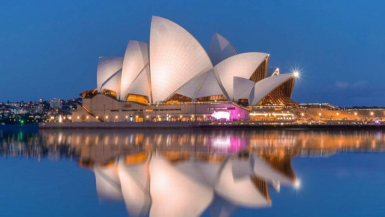 Avustralya kapılarını turistlere kapattı
