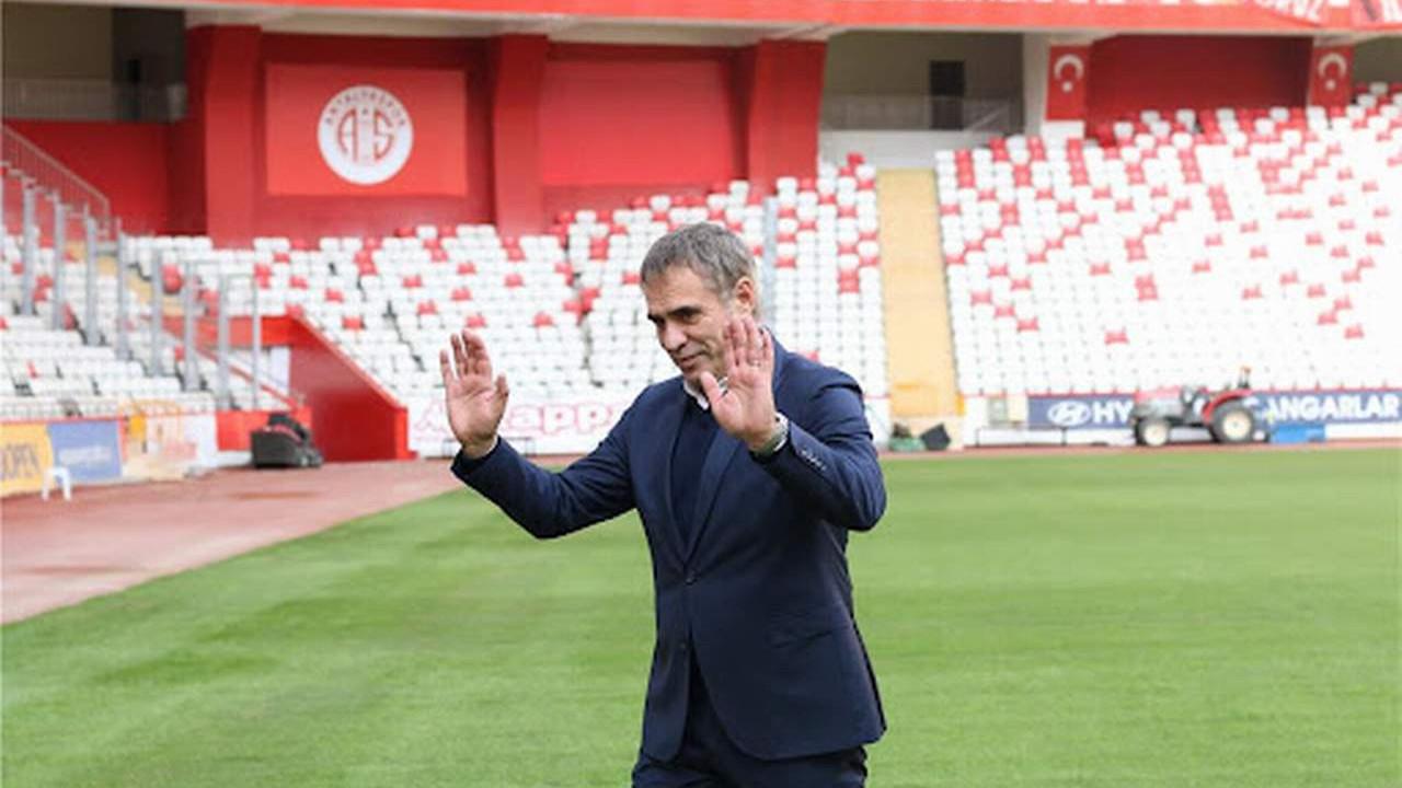Süper Lig'te bir teknik direktör daha gitti