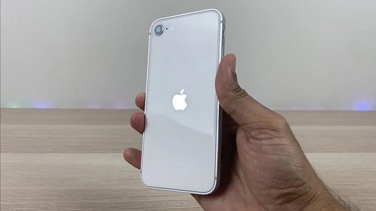 Ucuz iPhone'un görüntüleri internete sızdı: iPhone SE 3'ten yeni bilgiler - Resim: 2