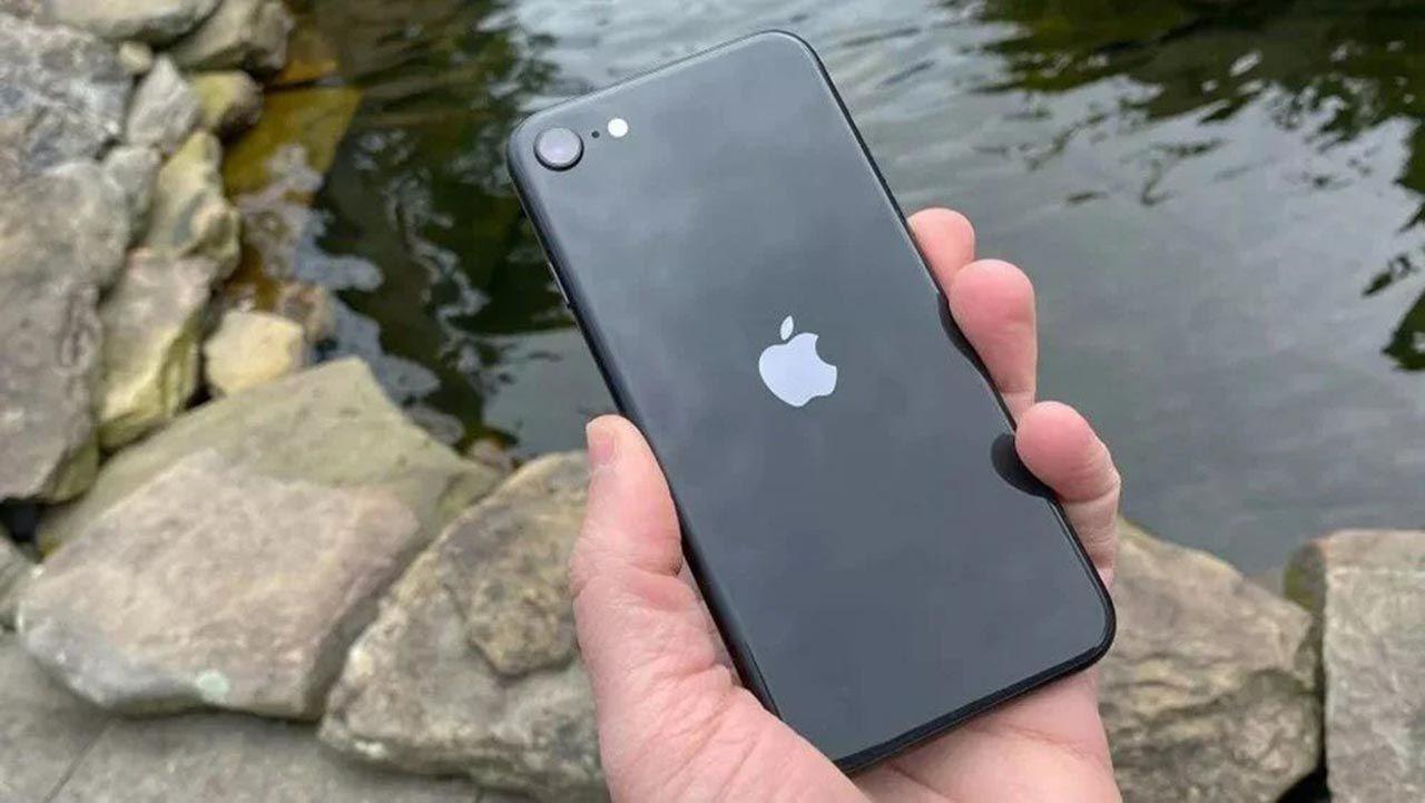 Ucuz iPhone'un görüntüleri internete sızdı: iPhone SE 3'ten yeni bilgiler - Resim: 4