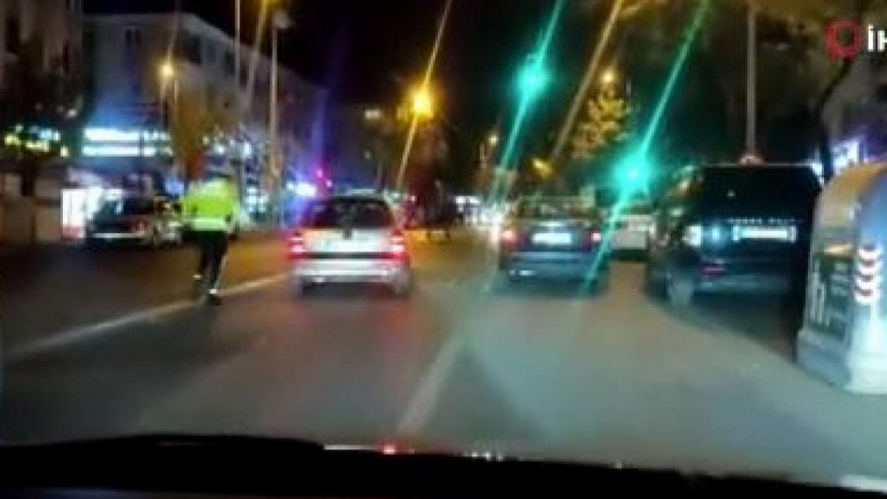 ''Dur'' ihtarına uymadı, polislerin üzerine sürdü