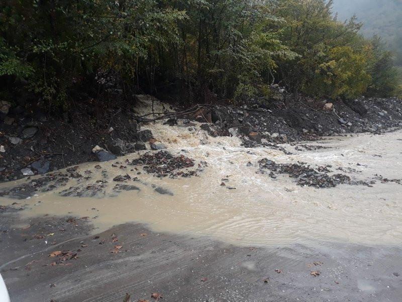 Sel, Karadeniz'i 2. kez vurdu! Köylere ulaşım kesildi