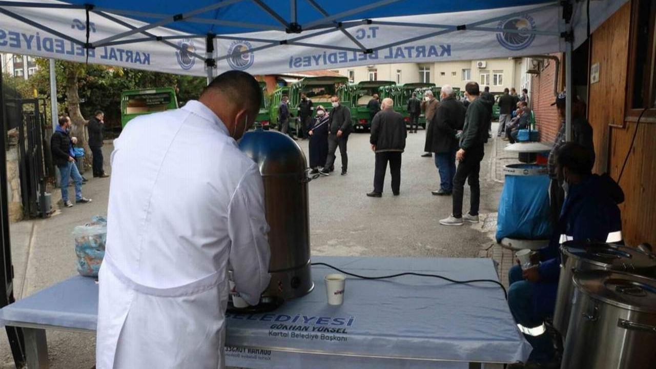 Kartal Belediyesi'nden vatandaşlara sıcak çorba ikramı