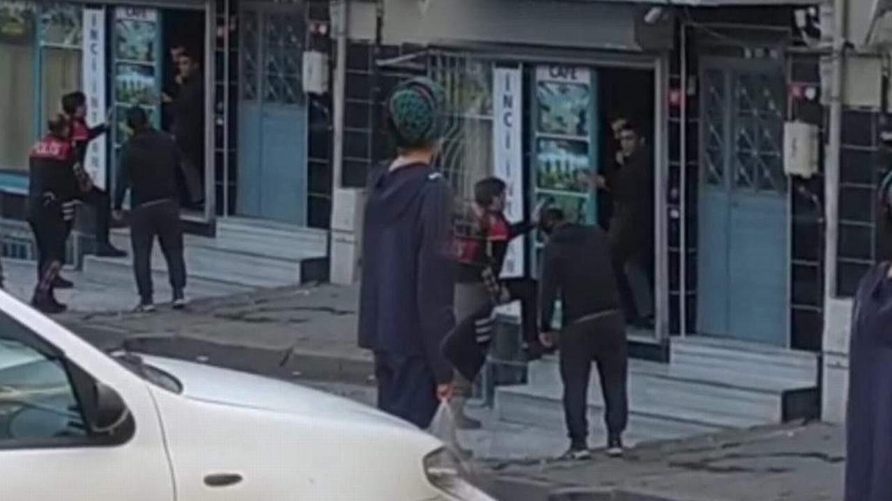 İstanbul'da rehine dehşeti! Polisten kaçıp bir kişiyi rehin aldı