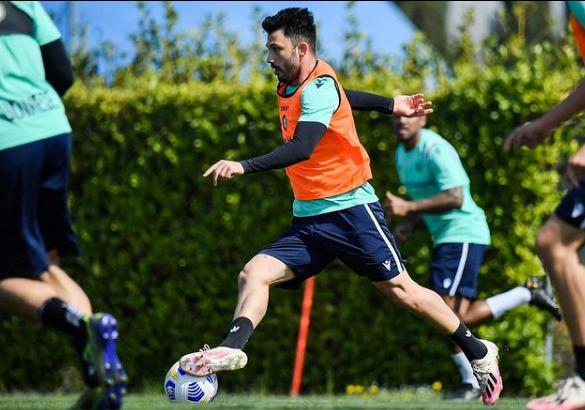 Emre Belözoğlu'ndan transfer bombası! Eski Fenerbahçeli ismi ikna etti - Resim: 4