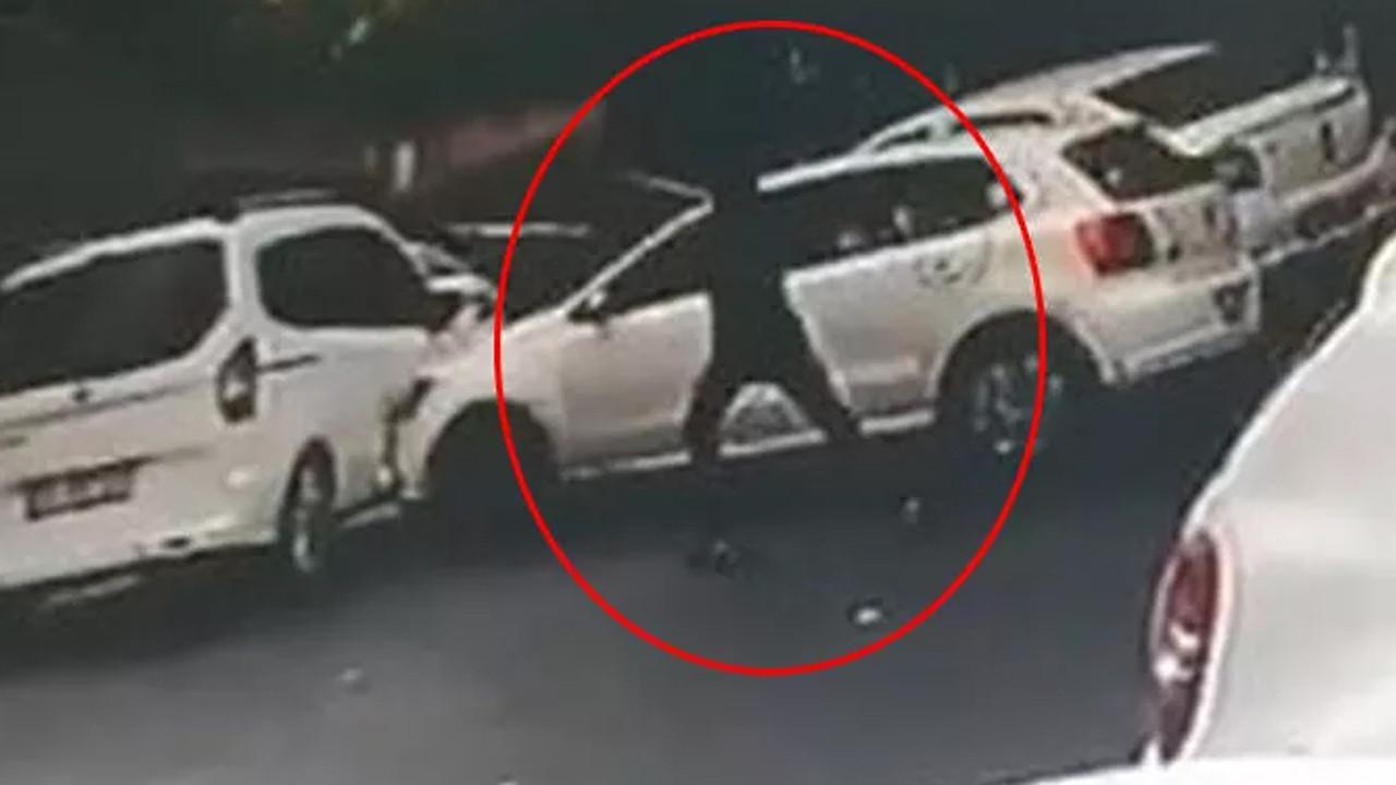 İstanbul'un göbeğinde korkunç anlar: Otomobilin önünü kesip kurşun yağdırdı