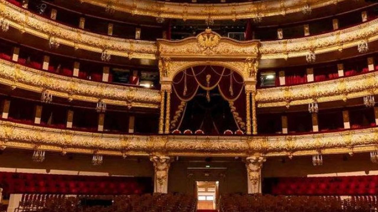 Tiyatroda korkunç olay: Sanatçı hayatını kaybetti