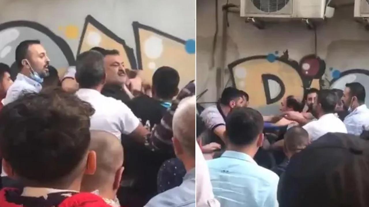 Bir ili karıştıran olay: Kız çocuğunu taciz ettiği iddia edilen şahsı tekme tokat dövdüler