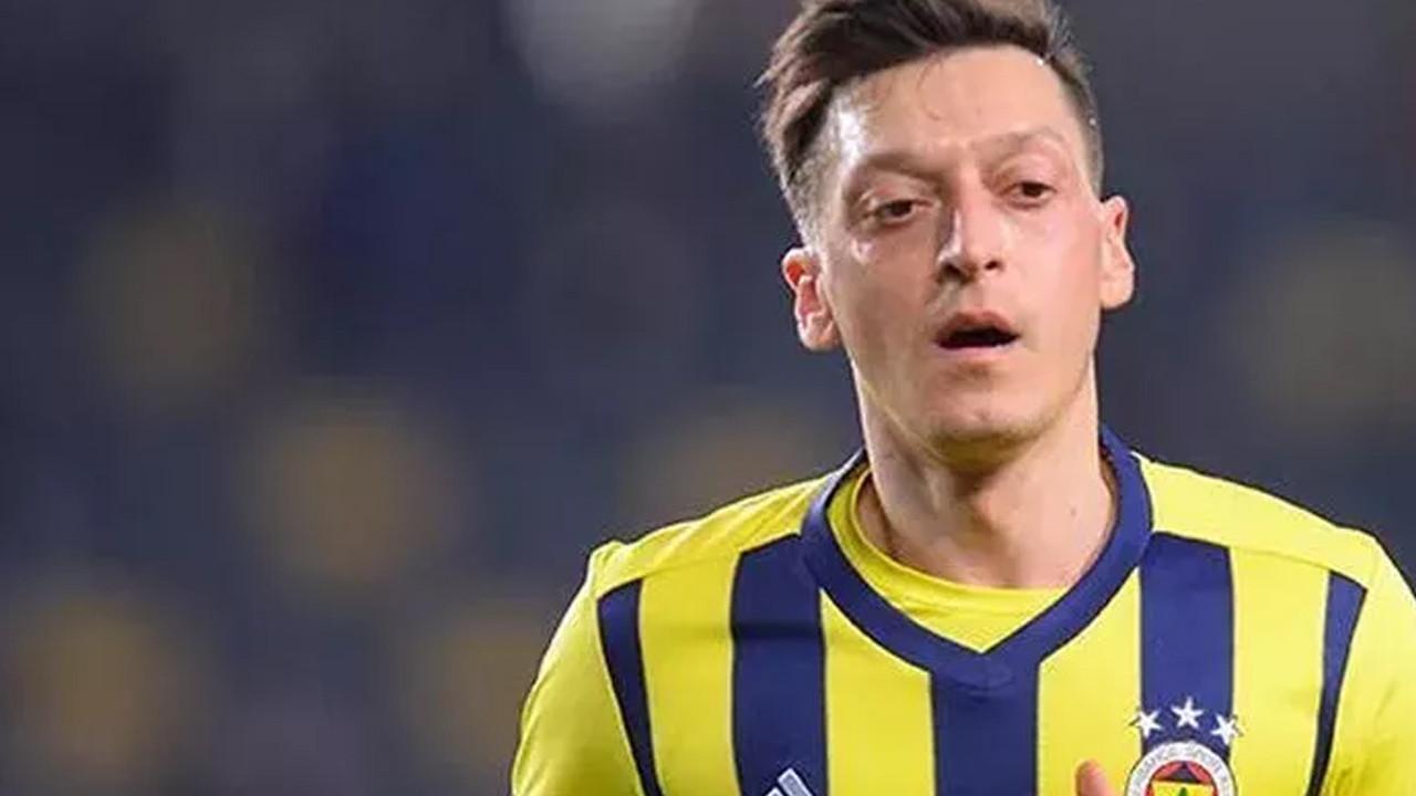 Fenerbahçeli taraftarlardan Mesut Özil'e tepki